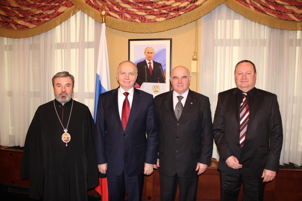 09-03-2013_marchel-ambasadorul-ru-panciuc-buceatchi-foto-moldova-mid-ru