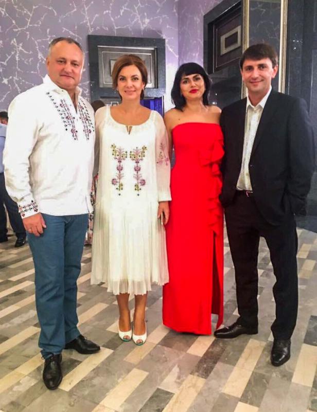 Alla și Igor Dolință (d) alături de Igor și Galina Dodon (s) // Foto: Irina Dolință via Facebook.com
